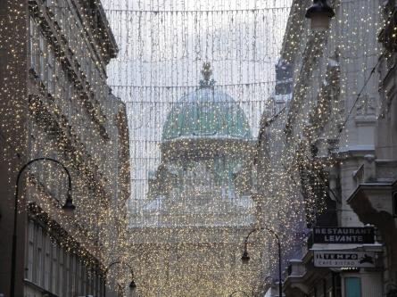 Wiener Einkaufsstraßen erstrahlen im weihnachtlichen Lichtermeer