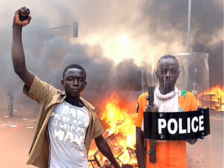 Parlament in Flammen: Aufstand in Burkina Faso