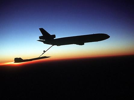 Fliegende Tankstellen sollen Luftverkehr revolutionieren
