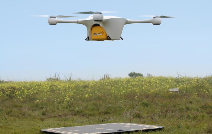 Drohne-der-Post Schweizerische Post: Drohnen liefern Pakete an Spitäler