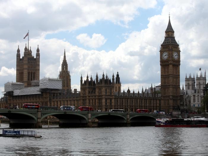 EU-Kommissarin Bienkowska setzt London vor Brexit-Gesprächen unter Druck