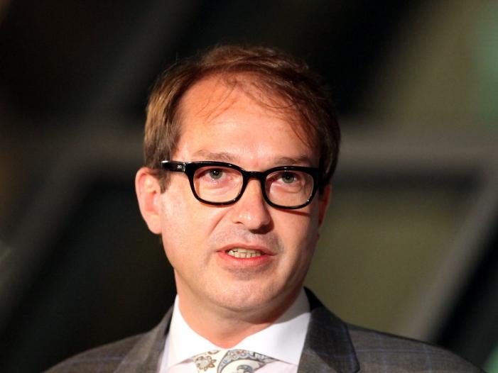 Pkw-Maut: Dobrindt verärgert über Österreichs Klageankündigung